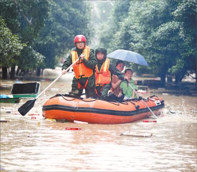 持续强降雨致南方多地受灾 50万人向前冲!(图)