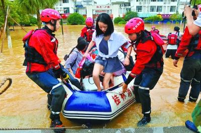南方暴雨广西109万多人受灾 中央财政急拨资金18.8亿元