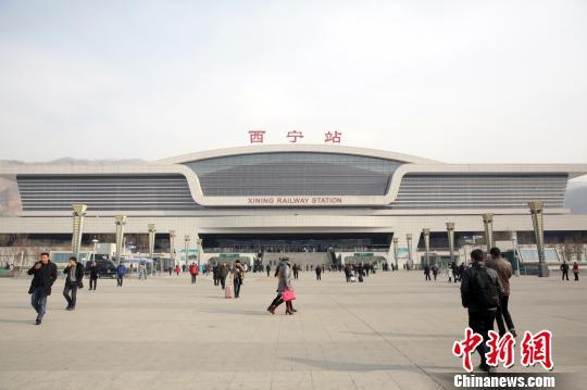 青藏铁路公司实施新列车运行图