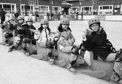 """东城区让中小学""""冷""""运动""""热""""起来 校内开设冰上课程由政府埋"""