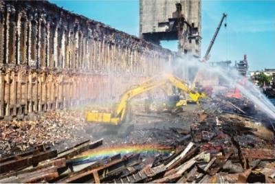 央媒记者镜头聚焦武钢拆焦炉 原址将建环保设备处理固废
