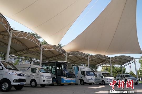 探访北京高端制造企业 中外记者感受高科技魅力