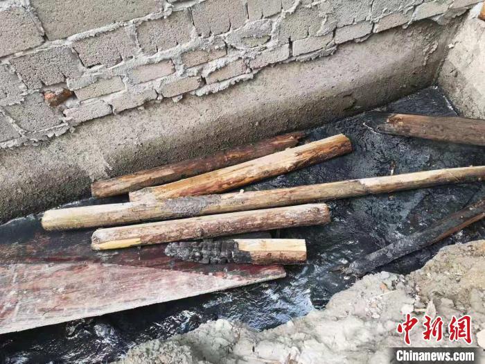 浙江海宁污水罐体倒塌事故:工人忆述逃离经过