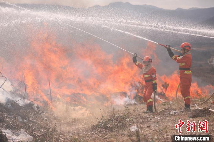 云南开展森林草原火灾应急处置联合实战演练