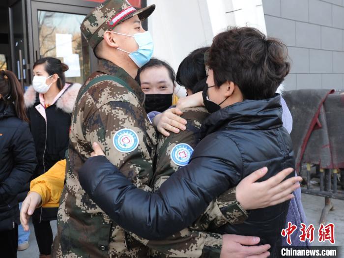 吉林省支援湖北医疗队人数破千 主攻武汉疫情