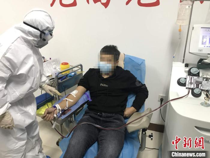 """河北衡水新冠肺炎康复者捐献血浆 奉献抗""""疫""""热血"""
